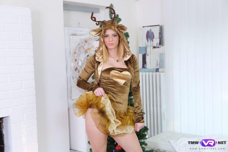 New Year's striptease VR Porn